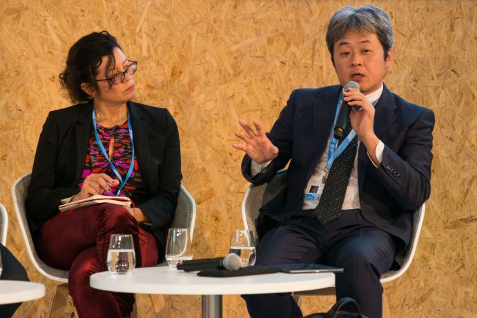 "H.E. Janine Felson (Permanent Mission of Belize to the United Nations) und Dr. Kiyoto Tanabe (Intergovernmental Panel on Climate Change, Institute for Global Environmental Strategies) auf dem BMBF-Side Event ""Global Stocktake: Information from science"" auf dem deutschen Pavillon (COP 23, Bonn)"