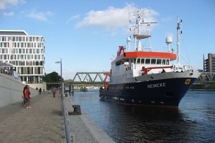 Research vessel HEINCKE