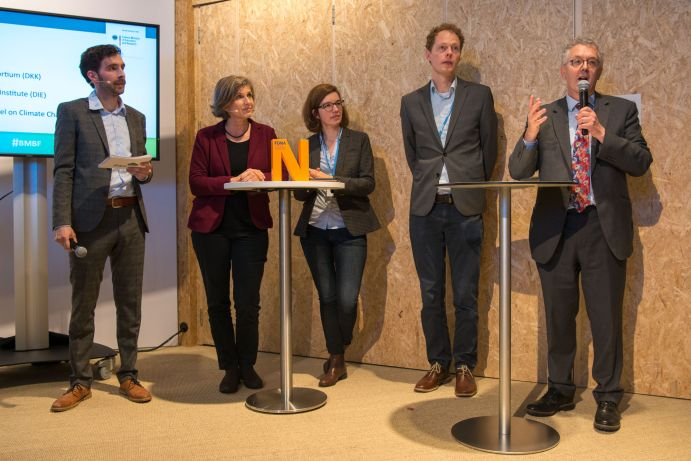 "Panel der German Science Hour zum Thema ""Communicating climate science"" auf dem Deutschen Pavillon (COP 23, Bonn)"