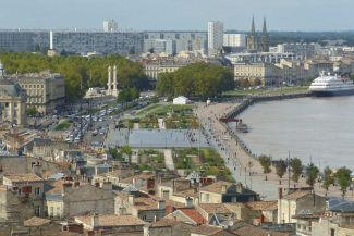Sustainable Transformation of urban harbour area in Bordeaux/France