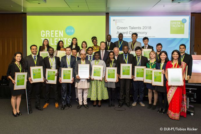 Group photo of the Greent Talents 2018.